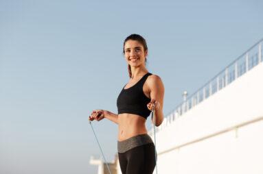 Универсальные упражнения, которые заменят тренировки в зале